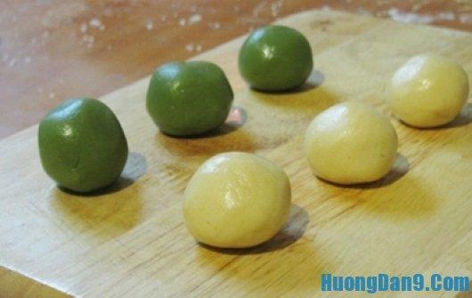 Hướng dẫn cách chia khối lượng vỏ và nhân bánh trung thu để bánh không bị biến dạng khi nướng