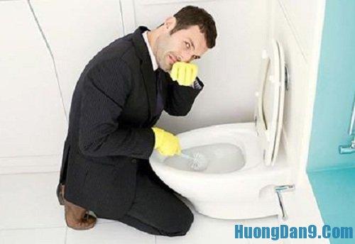Hướng dẫn cách khử mùi hôi nhà vệ sinh đơn giản mà hiệu quả