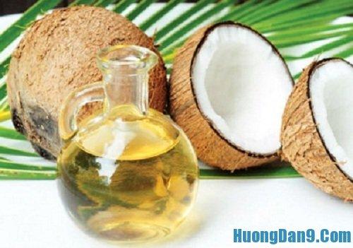 Hướng dẫn cách trị nứt gót chân hiệu quả bằng dầu dừa