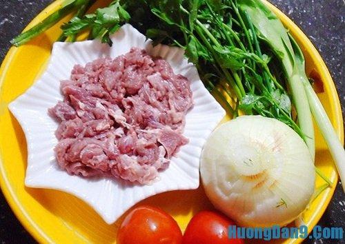Nguyên liệu chuẩn bị thực hiện cách làm thịt bê xào cần tỏi thơm ngon