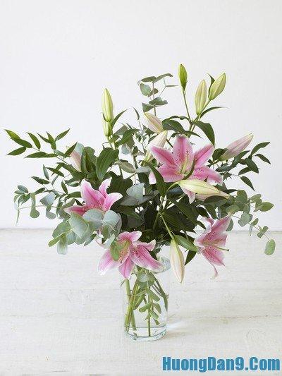 Hướng dẫn cắm hoa ly ngày Tết