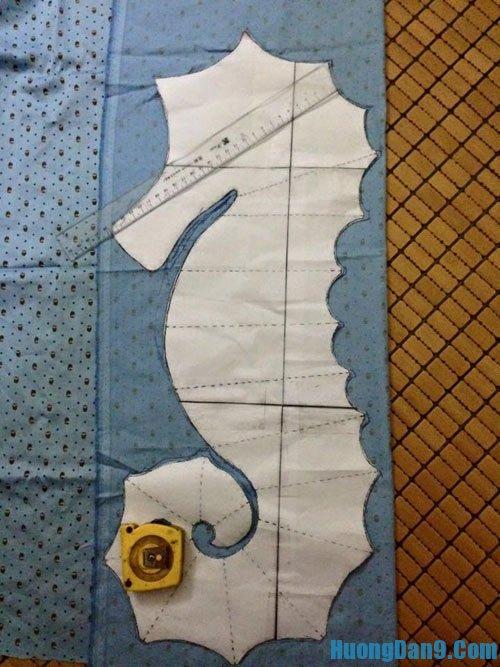 Hướng dẫn thực hiện cách làm gối ôm cá ngựa tại nhà cực dễ và đơn giảnHướng dẫn thực hiện cách làm gối ôm cá ngựa tại nhà cực dễ và đơn giản