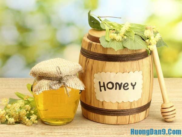 Hướng dẫn cách trị mụn và sẹo thâm đơn giản mà hiệu quả với mặt nạ mật ong