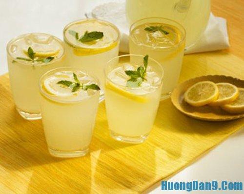 Cách pha nước uống giải rượu bằng chanh tươi và muối