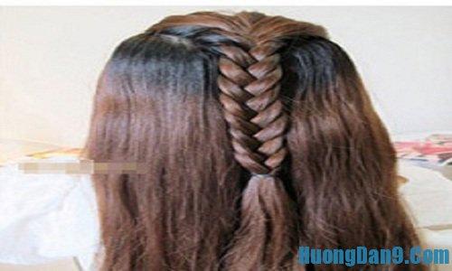 Các bước chi tiết thực hiện cách tết tóc gắn nơ đơn giản