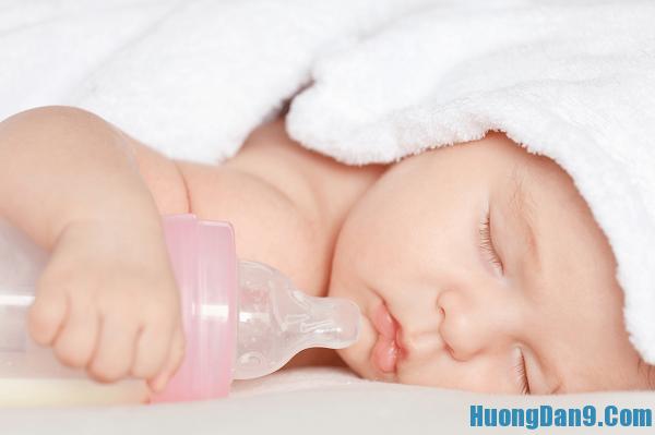 Cách chọn sữa chất lượng cho bé