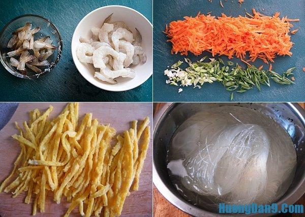 Sơ chế nguyên liệu để làm miến xào cà ri kiểu Singapore thơm ngon, lạ miệng