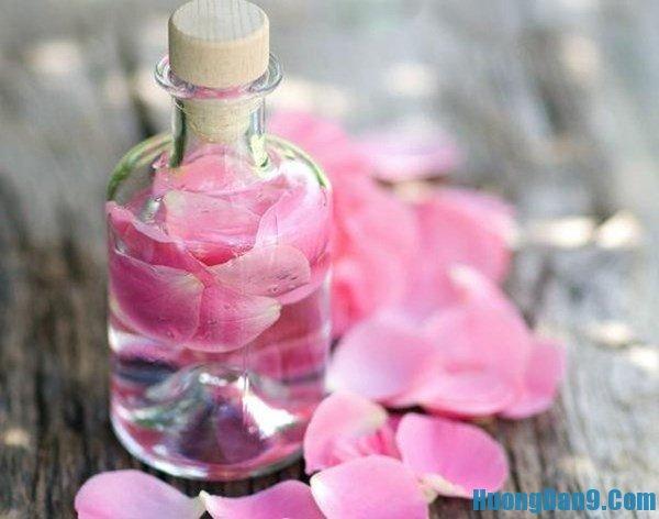Tự tay làm nước hoa hồng