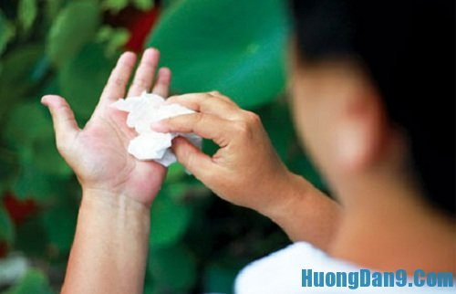 Hướng dẫn cách chữa mồ hôi tay chân đơn giản mà hiệu quả tại nhà