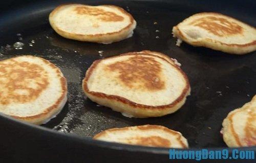 Hướng dẫn chi tiết thực hiện cách làm bánh pancake thơm ngon tại nhà