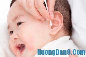 Hướng dẫn 4 cách vệ sinh tai cho trẻ an toàn, hiệu quả