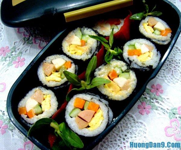 Yêu cần thưởng thức món sushi