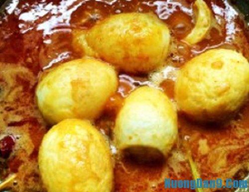 Hướng dẫn chi tiết cách làm cà ri trứng gà thơm ngon hấp dẫn