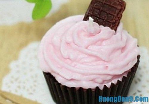 Hướng dẫn cách làm nến thơm hình bánh kem đơn giản tại nhà