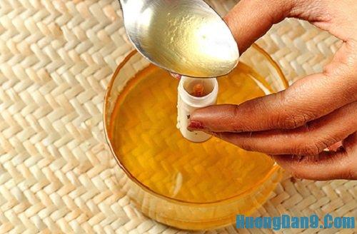 Hướng dẫn cách làm son dưỡng môi từ dầu dừa