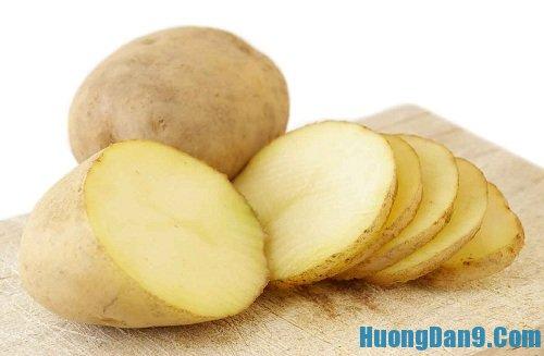 Hướng dẫn cách trị mụn cám trên mặt hiệu quả bằng khoai tây
