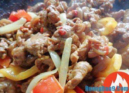 Các bước hướng dẫn chi tiết cách làm thịt dê xào thập cẩm