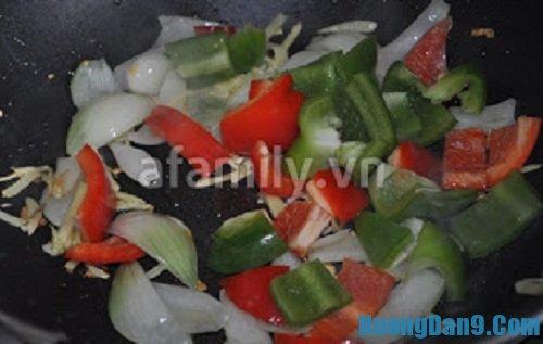 Hướng dẫn chi tiết cách làm gân bò xào chua ngọt đơn giản tại nhà