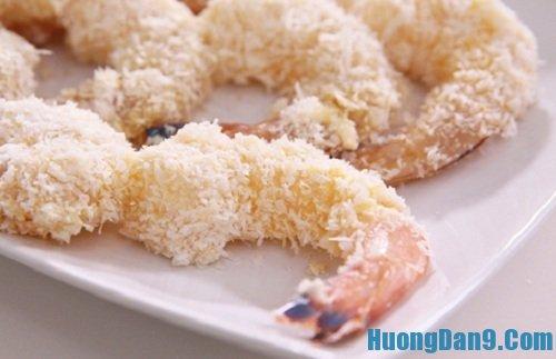 Tiến hành thực hiện cách làm tôm tẩm dừa nướng thơm ngon tại nhà