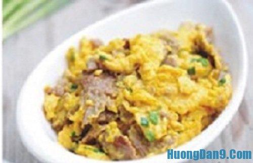 Hướng dẫn cách làm trứng xào thịt bò cực ngon