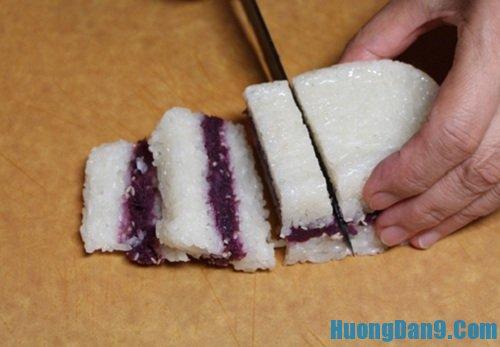Thực hiện cách nấu xôi kẹp khoai lang tím cực ngon mà đơn giản