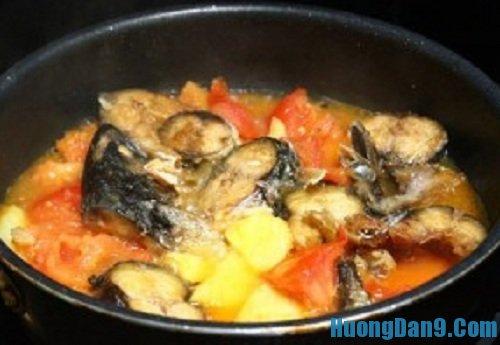 Hoàn thiện cách làm cá nục kho cà chua thơm ngon tại nhà